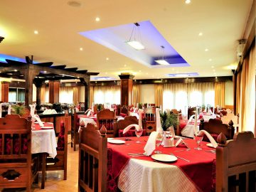 yugharlingresortandspa_facilities_dining_3